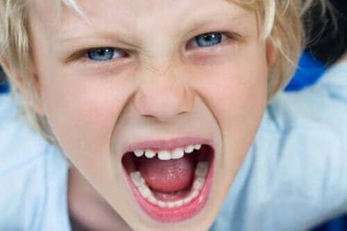 öfkeli çocuklar
