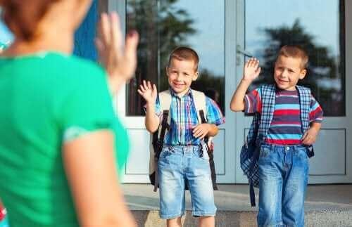 okula giden çocuklar
