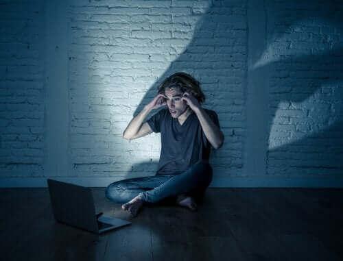 Ergenler Arasında Siber Zorbalığın Artması
