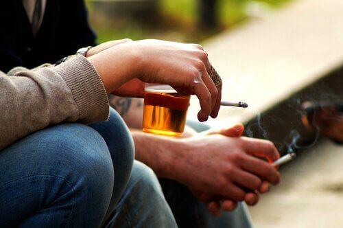 Çocuğunuzun Ergenlik Çağında Alkol Almasını Nasıl Önlersiniz?