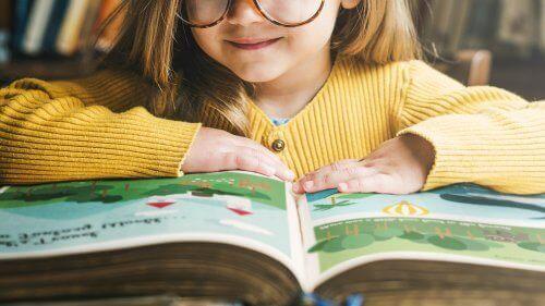 Roald Dahl okuyan kız