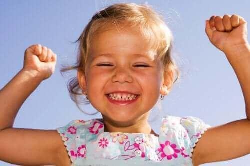 mutlu kız çocuğu