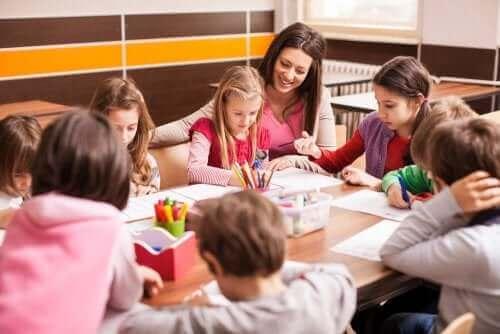 Sınıf Tekrarı: Öğrencilere Yardımı Oluyor Mu?