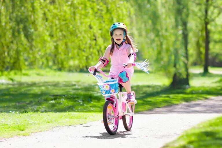 Çocuklara Bisiklete Binmeyi Öğretmenin Faydaları