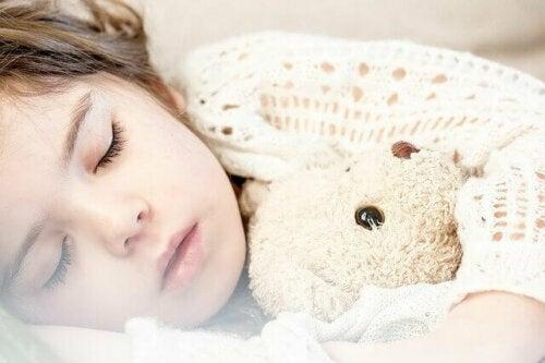 Çocuklarda Bahar Yorgunluğu: Semptomları ve Tedavisi