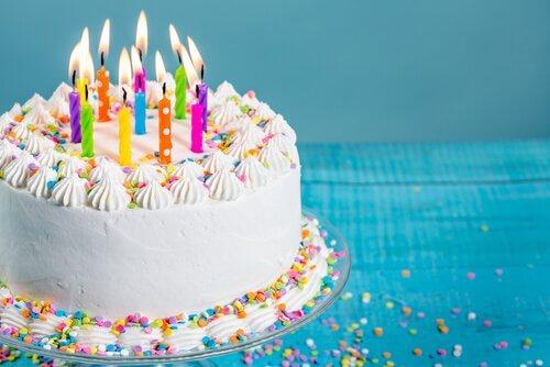 Çocuğunuz İçin 4 Orijinal Doğum Günü Pastası