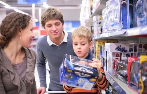 Çocuklarda Zorlayıcı Tüketiciliği Önlemek