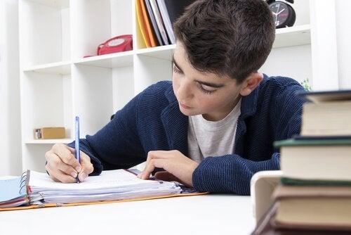 Akademik Öğrenmeyi Destekleyen Hafıza Geliştirici Cihazlar