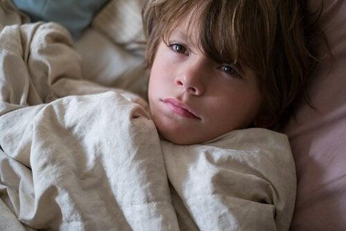 uykusuzluk çeken çocuk