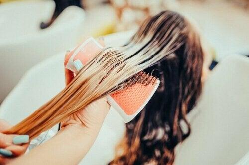 Emzirirken Saç Boyamak Güvenli Midir?