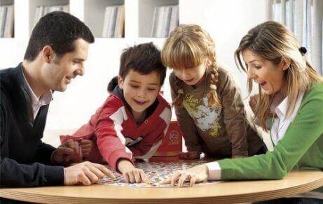 ailecek oyun oynamak