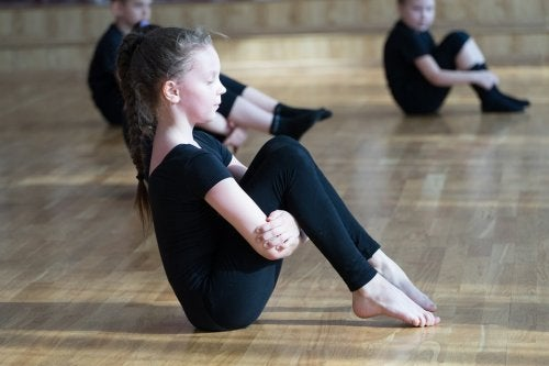 jimnastik yapan kız