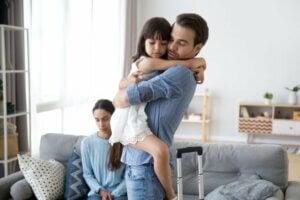 Ayrılmış anne ve baba ile kızları