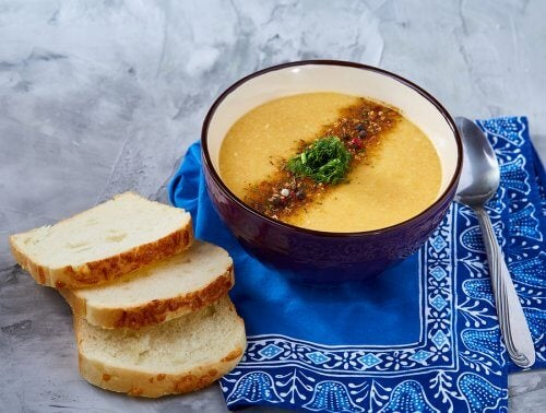 Bal kabağı ve soğanlı çorba