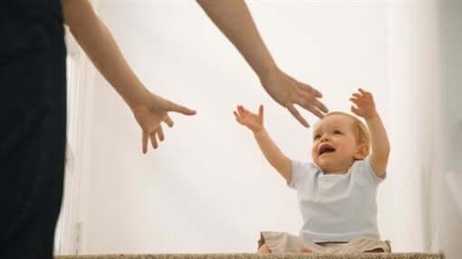 Anne Gitme! Çocuklarda Ayrılık Kaygısı