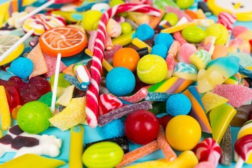 renkli ev yapımı şeker
