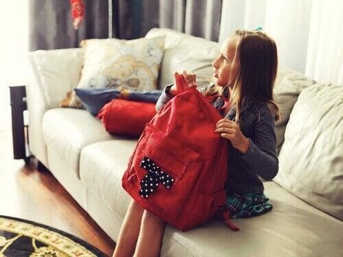 Çocuğunuzun Okul Çantasını Hazırlamak İçin İpuçları