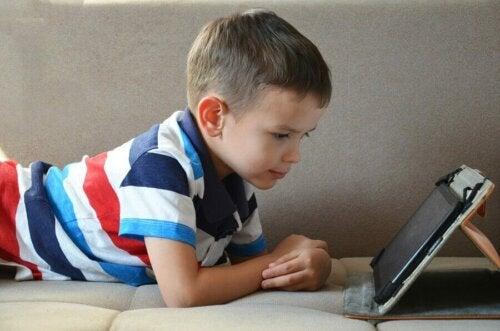 Çocukların Tablet Kullanmaları Uygun Mudur?
