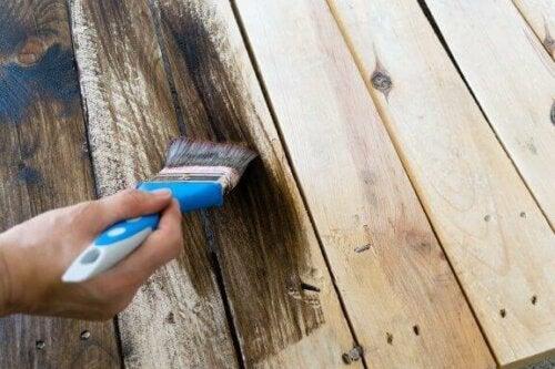 tahta fırça boya