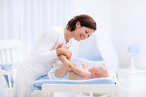 bebek bezi değiştirmek