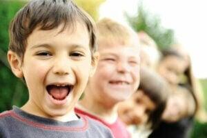 Pozitif ve mutlu çocuklar