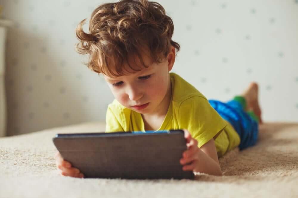 Elektronik Cihazlar Çocuğunuza Nasıl Zarar Veriyor?