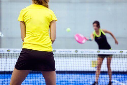 tenis oynamak
