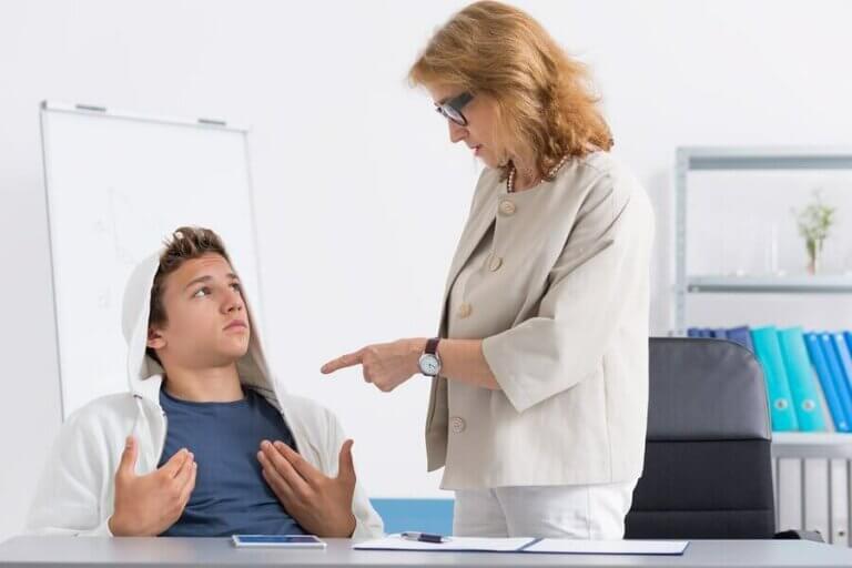 Çocuğunuz Öğretmenlerine Karşı Geliyorsa Ne Yapmalı?