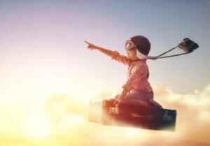 Özgürce uçan bir çocuk
