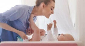 Bebek Bezi: Bebeğinizin Dışkısı Ne Söylüyor?