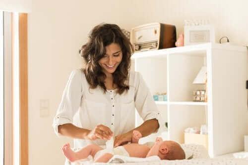 bebeğin bezini değiştirmek