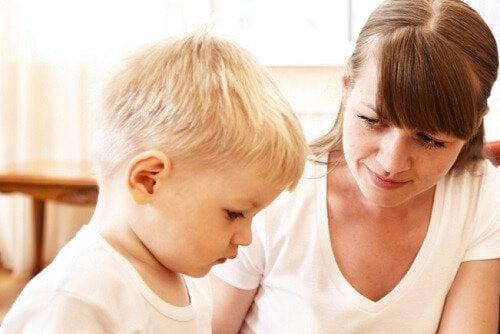 çocuk ve anne