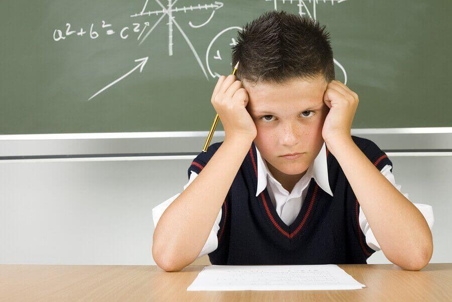 Çocuğunuz Kötü Not Aldığında Ne Yapmalı?