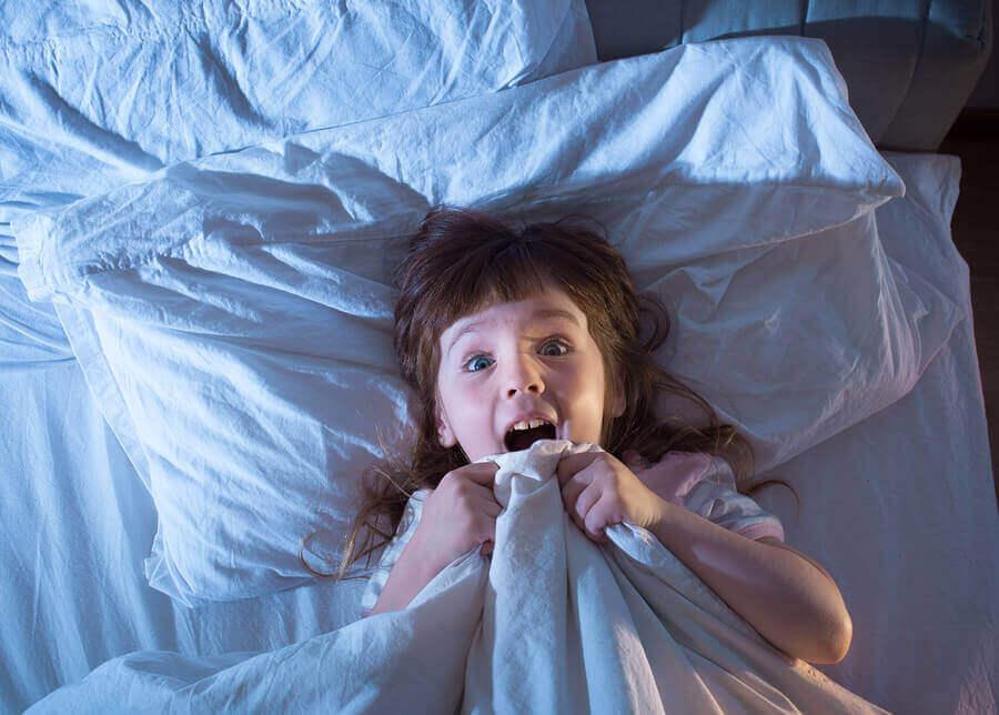 Çocuklar ve Kabuslar: Özellikleri ve Sebepleri