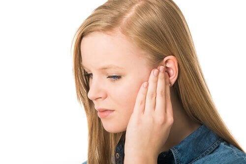 Çocuklarda kulak zarı yırtılması