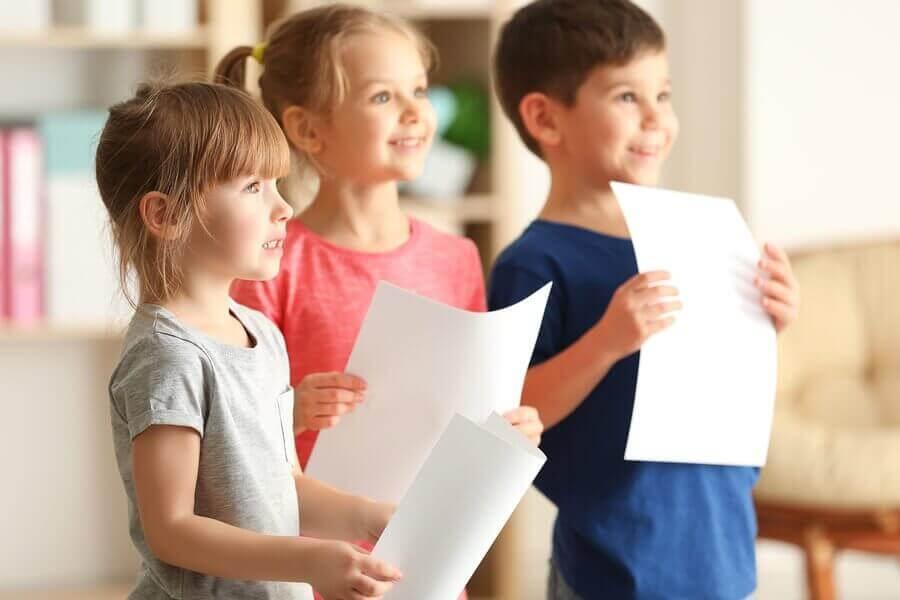 Çocukların Topluluk Önünde Konuşma Korkusunu Yenmelerine Yardım Etmek