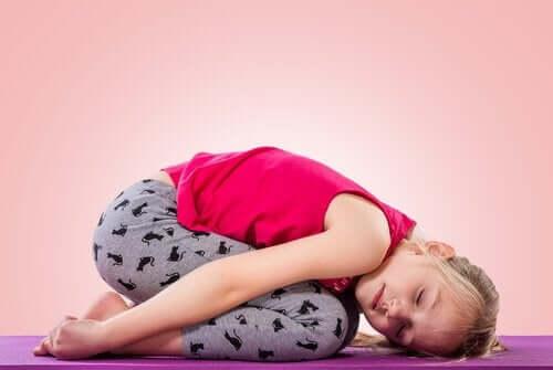 çocukların yoga yapması