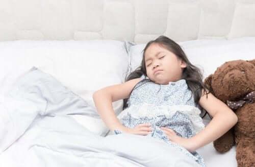 Kız Çocuklarında Sistit: Semptomlar, Önlem ve Tedavi