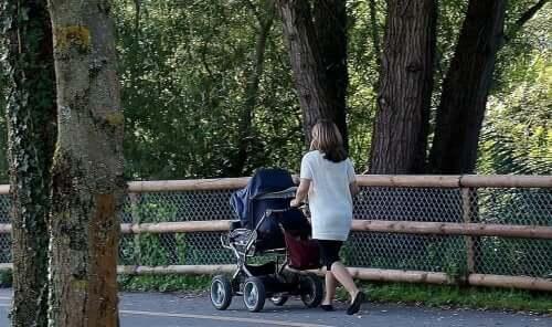 anne bebek arabası açık hava
