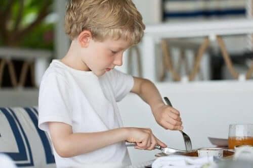 Bir Çocuk Kaç Yaşındayken Çatal Bıçak Kullanabilir?
