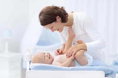 Bebek Bezini Doğru Değiştirmeyi Adım Adım Öğrenin