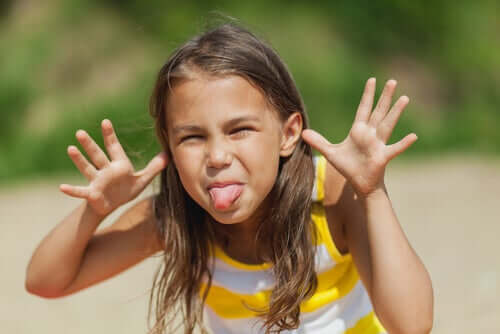Çocuklarınıza Başkalarıyla Dalga Geçmemeyi Öğretin