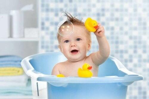 Çocuğunuzun Banyo Zamanı İçin Su Oyuncakları