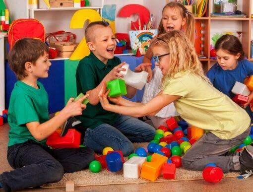 Sosyal Becerileri Öğretmek: Empati ve Girişkenlik