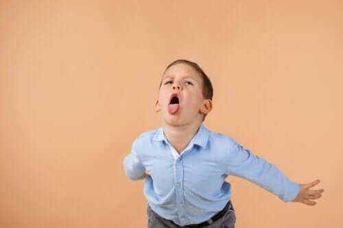 Hakaret Eden Çocuklar: Neler Yapmalıyız?
