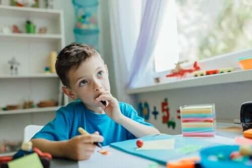 Çocuğunuzun Düşünmesini Sağlamak: Onunla Nasıl Konuşmalısınız?