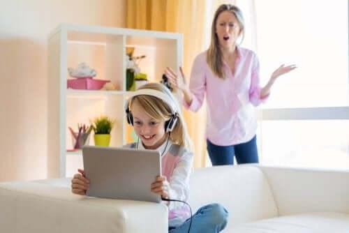 Gençlerin YouTube Bağımlılığının Üstesinden Gelmek