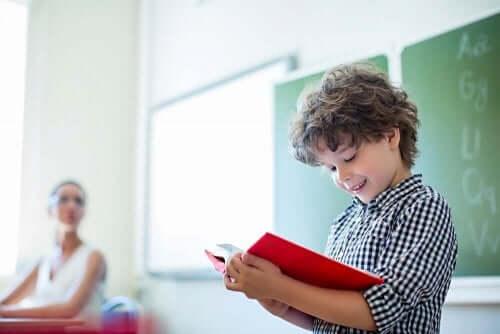 Çocuklarda Okumayı Teşvik Eden Bir Aktivite: 12 Ay, 12 Karakter