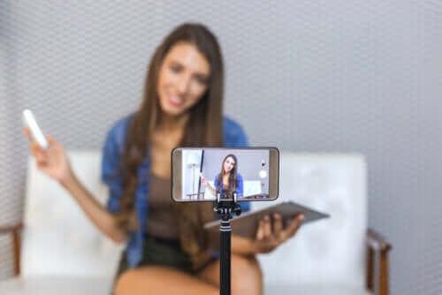 video çeken genç kız