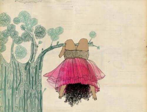 ağaçta bir kız